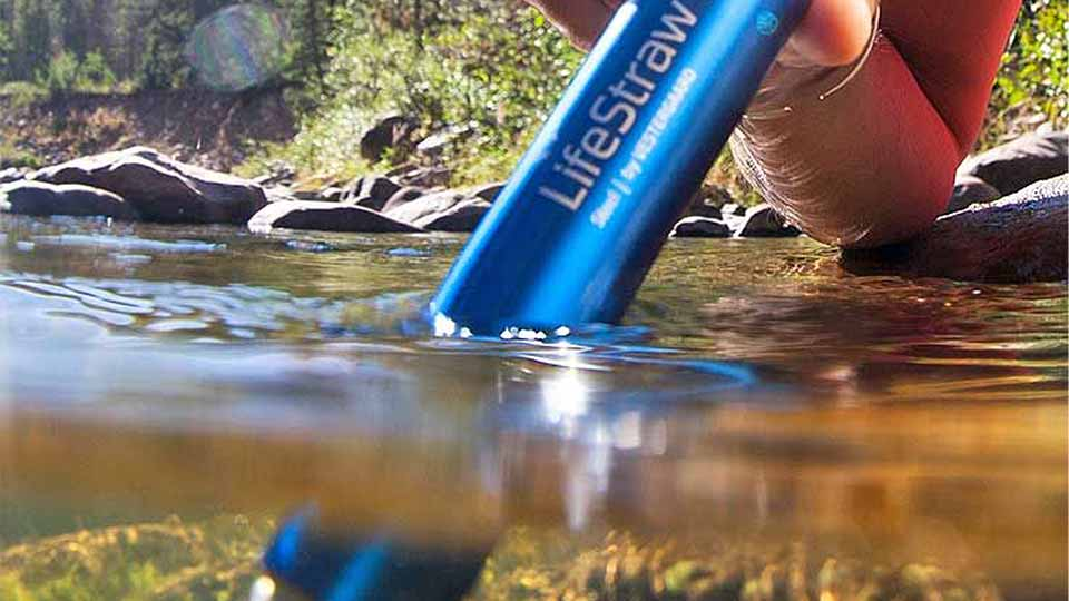 water-purification-filtration-lifestraw-camping